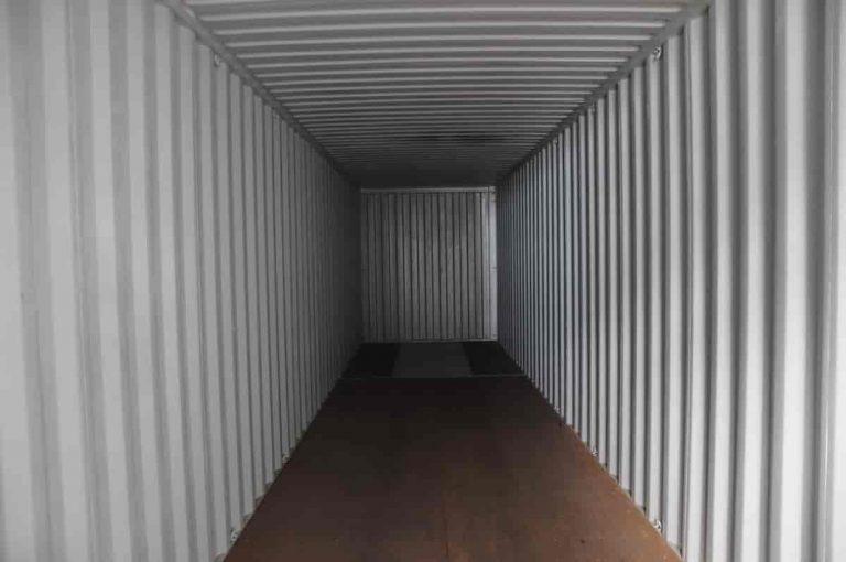 Wnętrze kontenera magzynowego kontenera morskiego